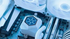 Silverstone Permafrost: Kompaktwasserkühlung angemessen in Weiß aufgelegt