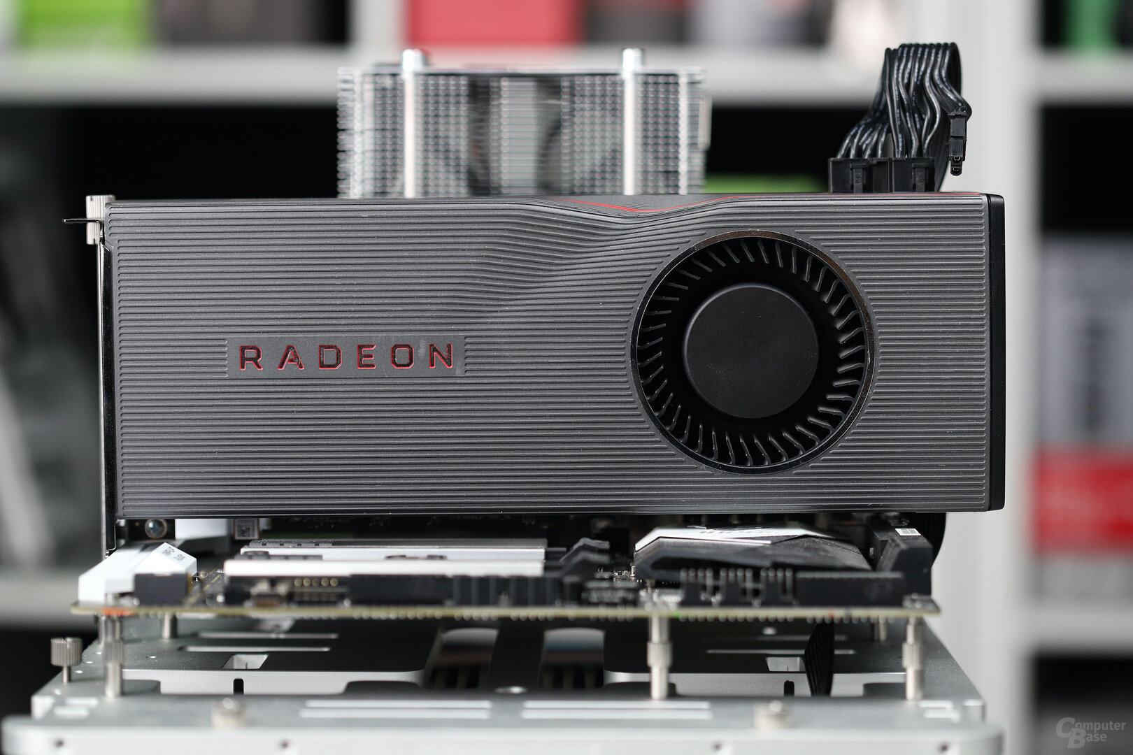 Form AMD Radeon RX 5700 XT