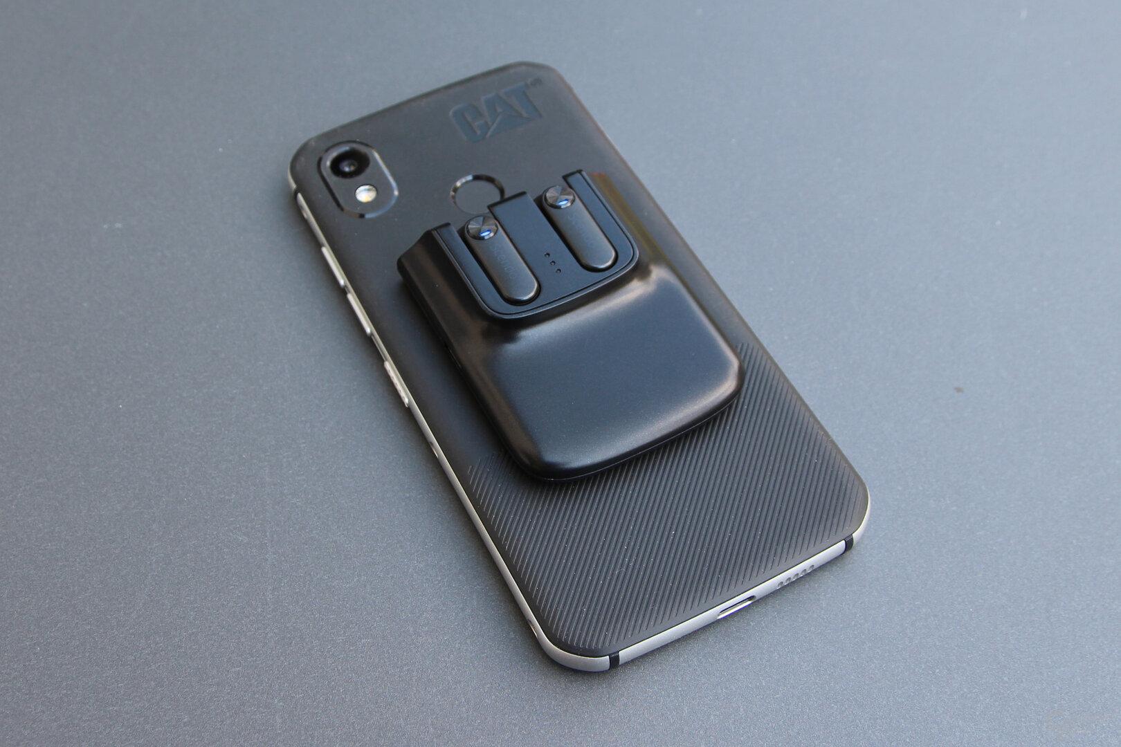 Scendo Snapods: Haften magnetisch am Smartphone