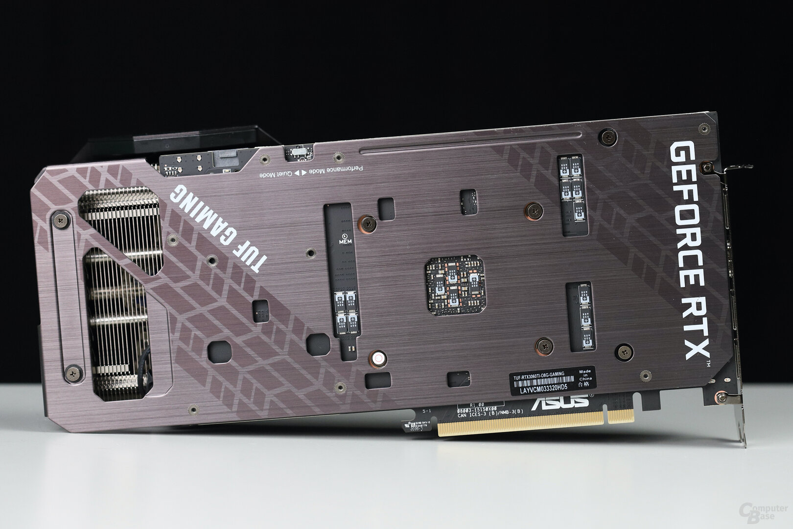 Rückseite der Asus GeForce RTX 3060 Ti TUF OC