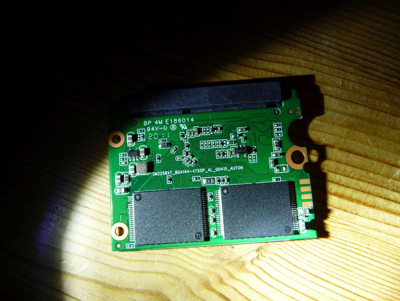 Patriot P210 256 GB mit SM2258XT-Controller und Speicherchips ohne Kennung
