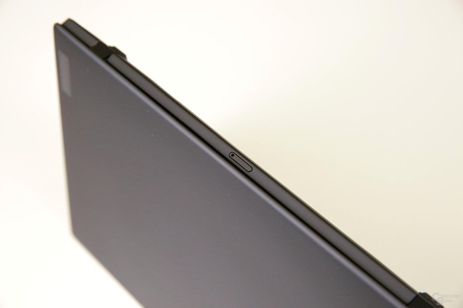 Der Nano-SIM-Slot des WWAN-Moduls sitzt hinten