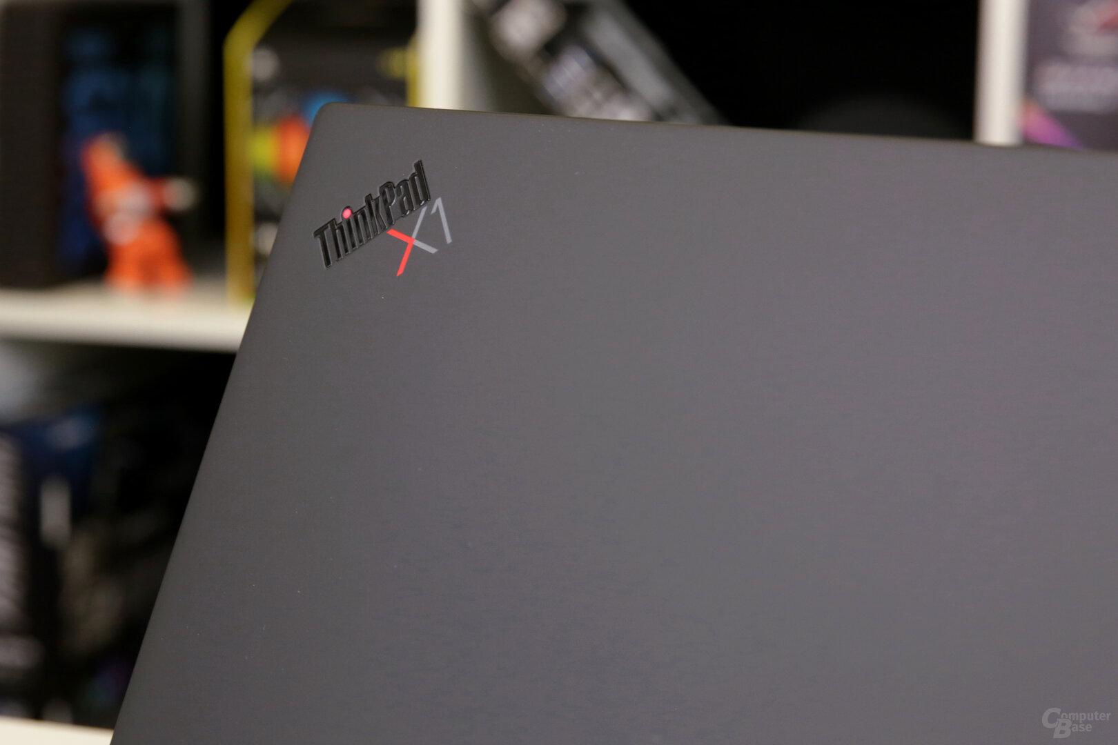 ThinkPad-Logo mit leuchtendem i-Punkt im Betrieb