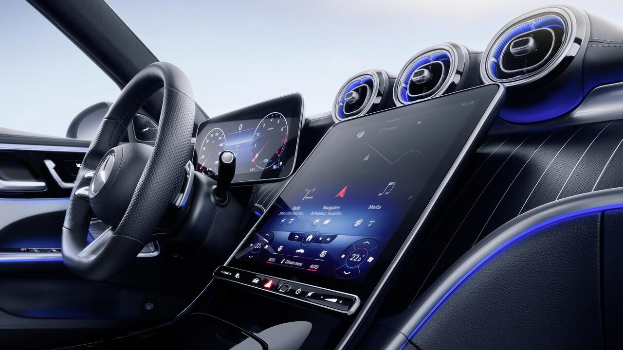 Neue C-Klasse: MBUX 2 neigt sich zum Fahrer und steuert das Smart Home