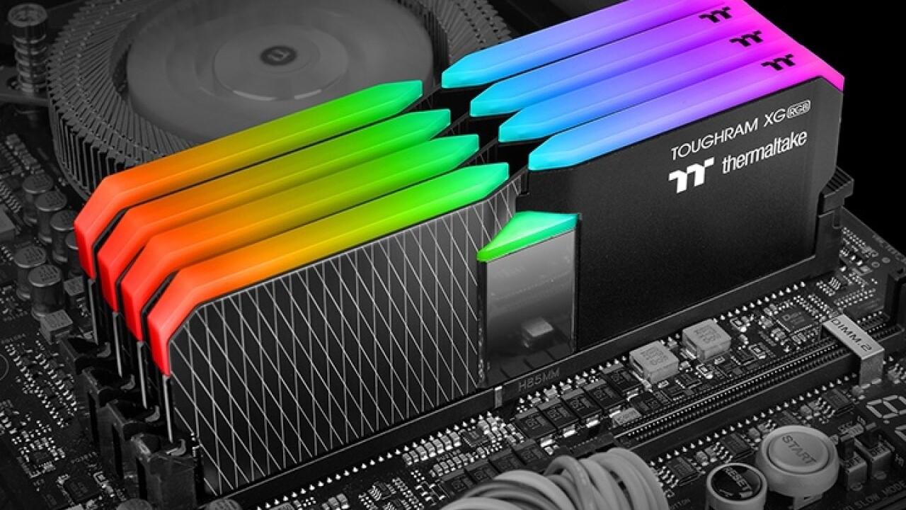 Thermaltake Toughram XG RGB: Vier 16-GB-Kits bis DDR4-4600 mit je 16 Leuchtdioden