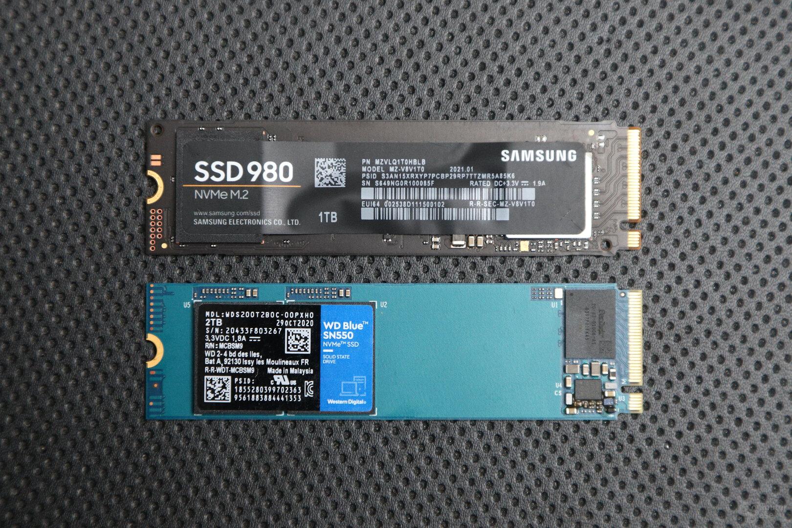 Samsung 980 (oben), WD Blue SN550 (unten)
