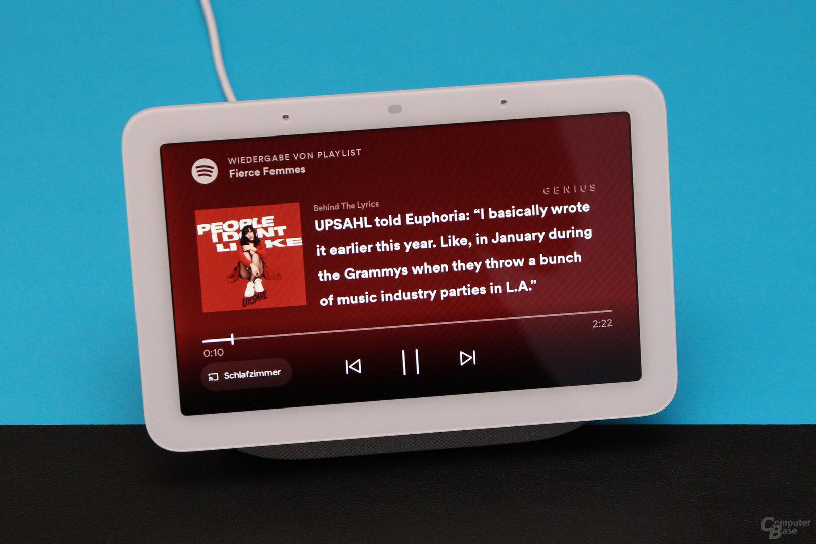Google Nest Hub (2. Gen.): Zusätzliche Informationen während der Musikwiedergabe
