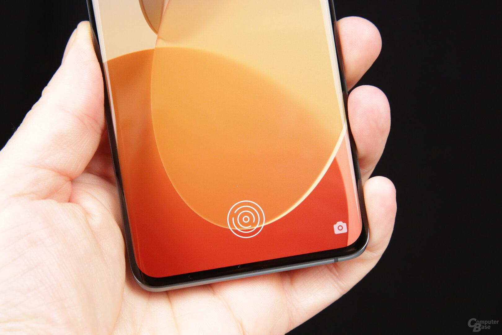 Sehr tiefer Fingerabdrucksensor wie beim OnePlus 9 Pro