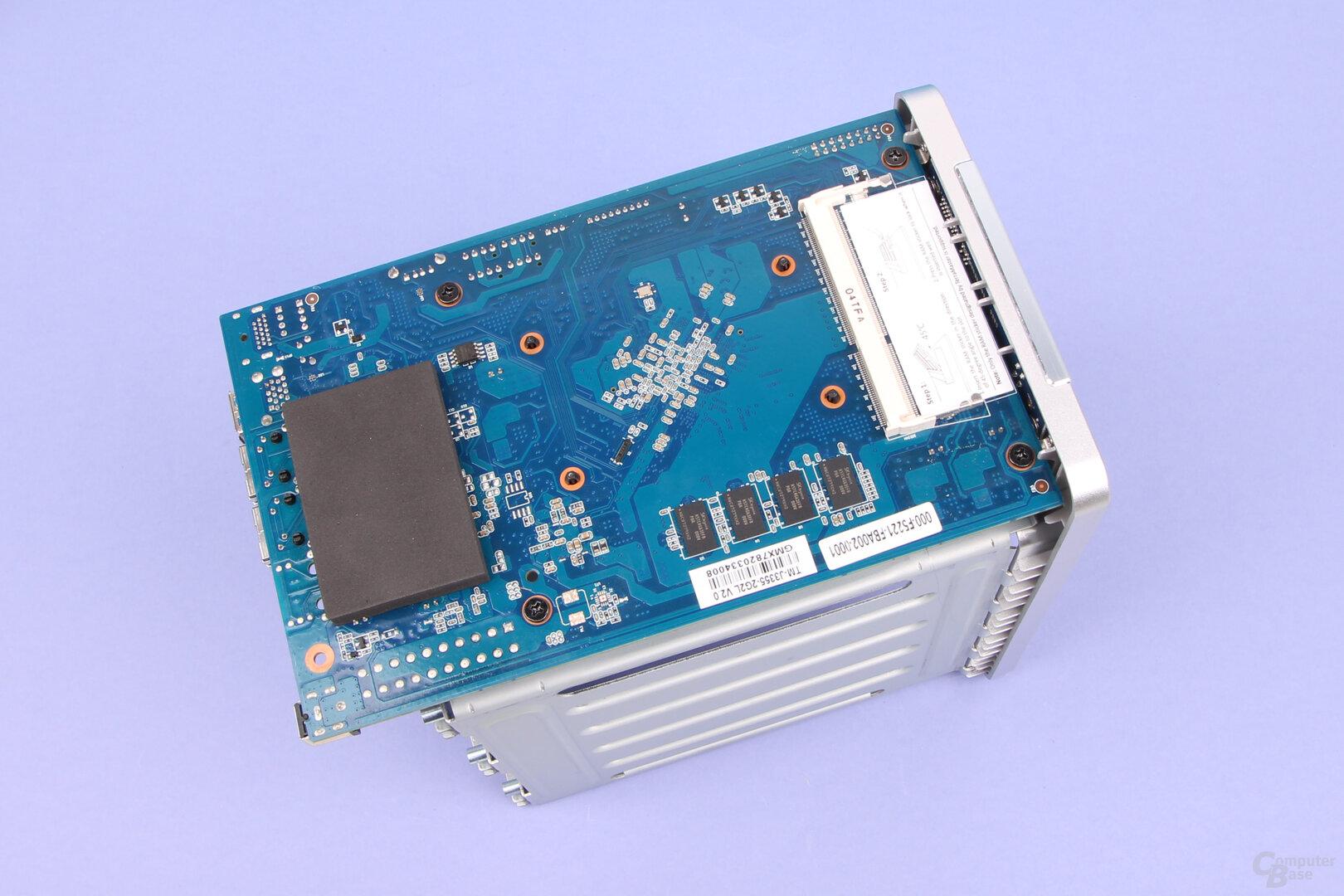 TerraMaster F5-221: Ein RAM-Modul lässt sich nachrüsten