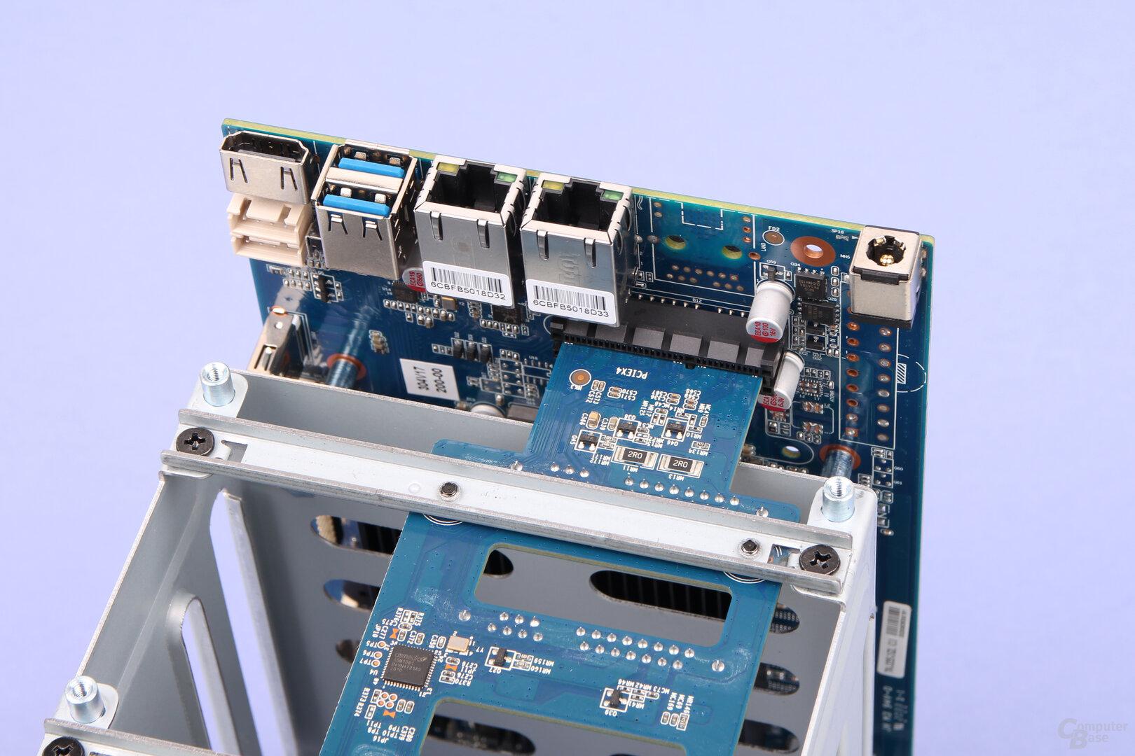 TerraMaster F5-221: Unter der Haube steckt auch wieder ein HDMI-Anschluss