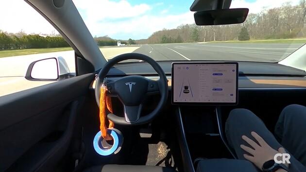 Consumer Reports: Tesla Autopilot lasse sich ohne Fahrer zu einfach austricksen