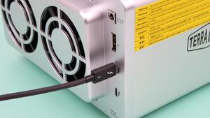TerraMaster D5 Thunderbolt 3 im Test: Fünf HDDs im Hardware-RAID für 1.450 MB/s über TB3