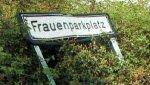 frauenparkplatz1.jpg
